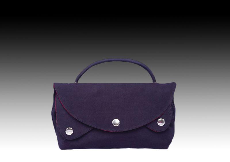 Шелковая сумочка с ручкой