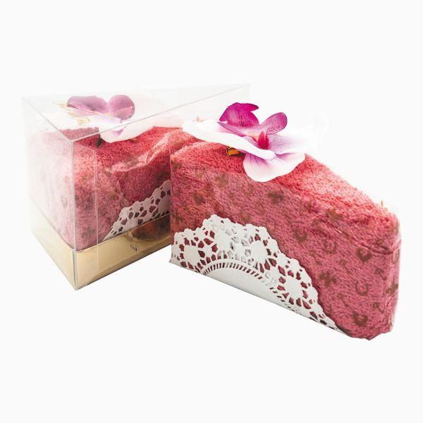 Махровое полотенце в виде кусочка торта