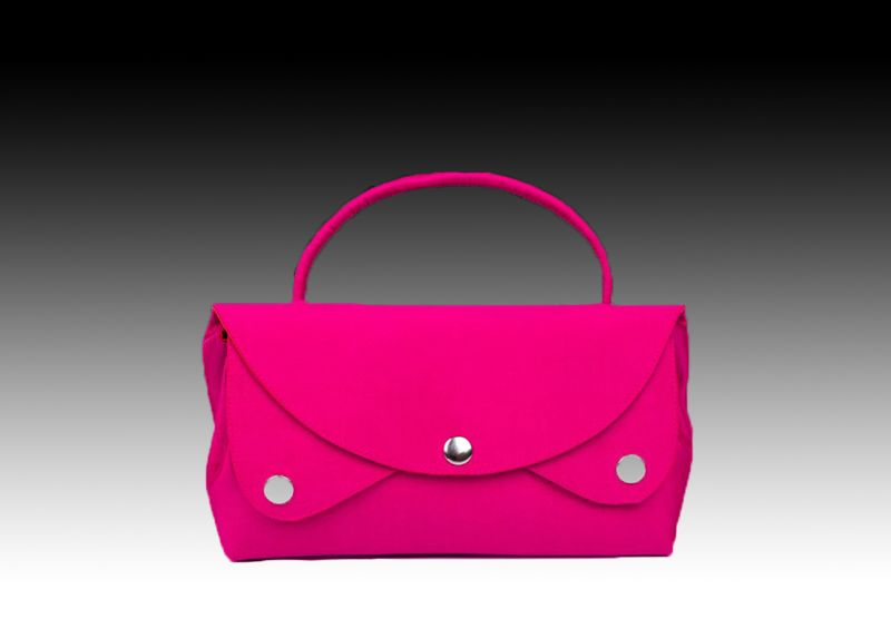 Розовая сумочка из натурального шелка
