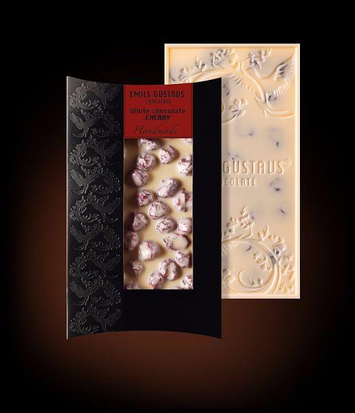 Белый шоколад с вишней
