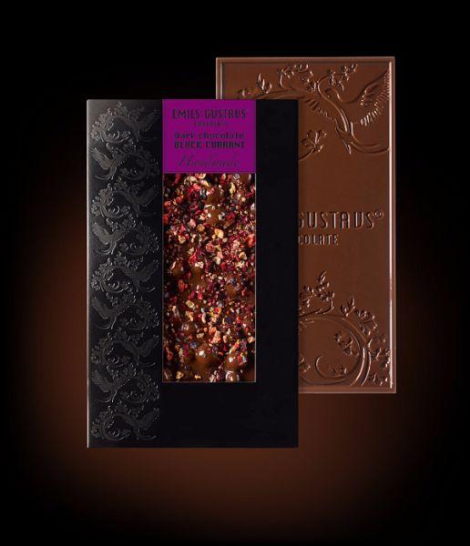 Темный шоколад со смородиной