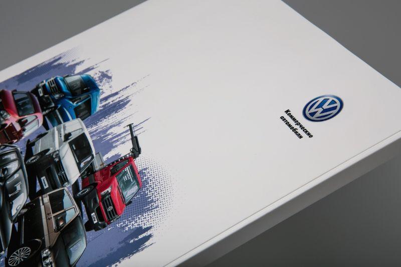 Фирменная папка с логотипом для автосалона