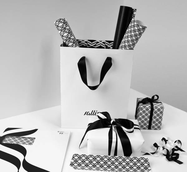 Фирменный пакет с папкой и упаковочной бумагой