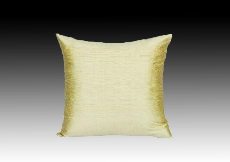 Декоративная подушка из натурального шелка