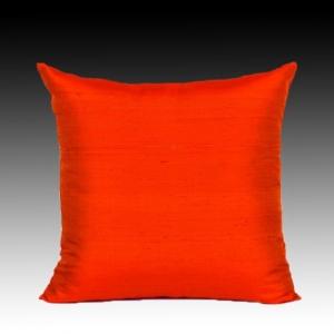 Декоративная подушка из натурального шёлка квадратная