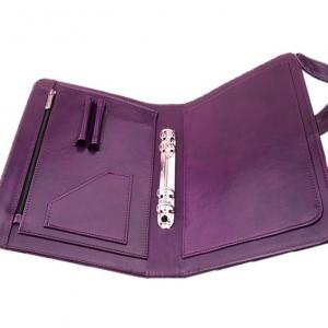 Фиолетовая папка для бумаг