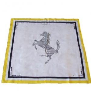 Фирменный шелковый платок с логотипом