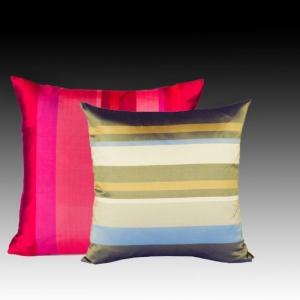 Шелковая подушка квадратная