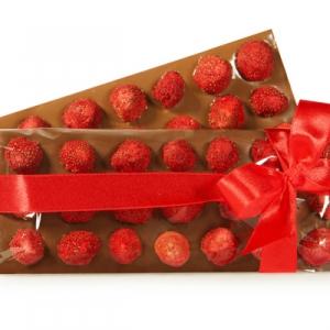 Шоколад с клубникой