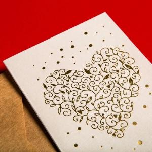 Поздравительные открытки в фирменном паттерне