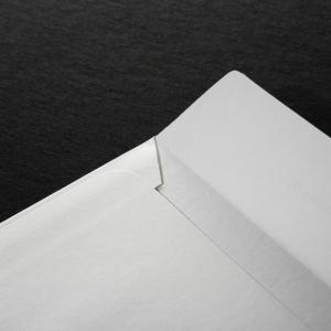 Внутренний разворот клапана фирменного конверта