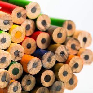 Карандаши с цветным грифелем