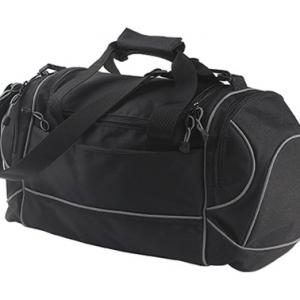 Компактная спортивная сумка с металлическими замками