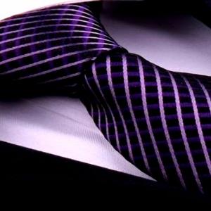 Брендовый галстук из шелка