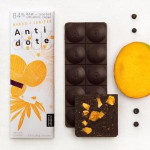 Шоколад с манго и можжевельником