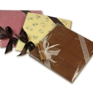 Шоколад в прозрачной упаковке