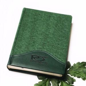 Датированный зеленый ежедневник