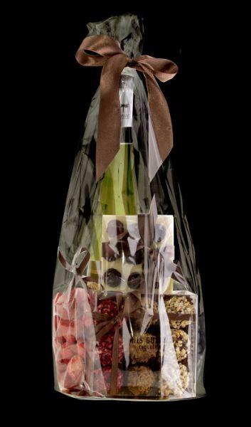 Подарочный набор сладостей с вином