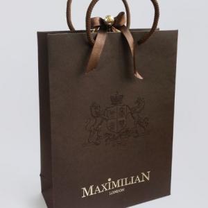 Фирменный пакет с гербом и логотипом