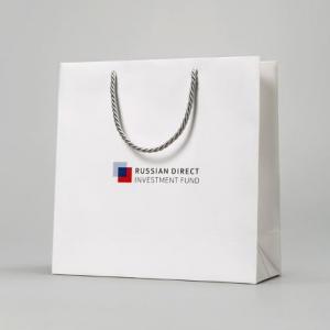 Фирменный белый пакет с логотипом
