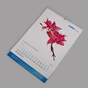 Настенный календарь с ригелем, на пружинном креплении