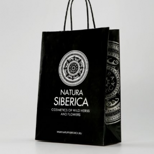 Фирменный черный пакет с лого и слоганом