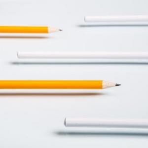 Разноцветные простые карандаши