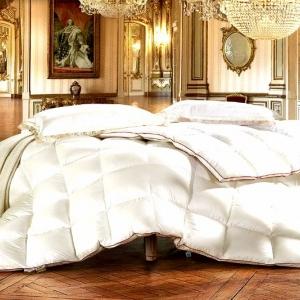 Роскошное шелковое одеяло с прострочкой
