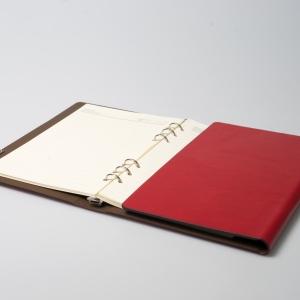Кожаный ежедневник на кольцах