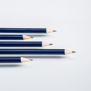 Синие карандаши с простым грифелем
