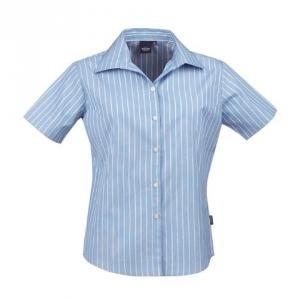 Женская рубашка с карманами