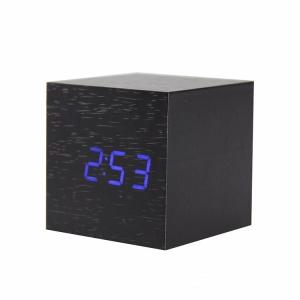 Часы с функцией будильника из дерева