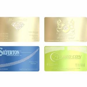 Металлические визитные карточки с гравировкой, полноцветная печать