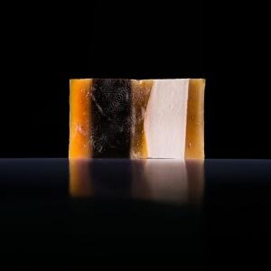 Мыло ручной работы с эффектом легкого пилинга