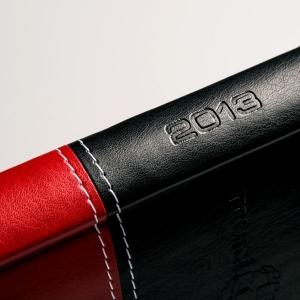 Стильный черно-красный ежедневник