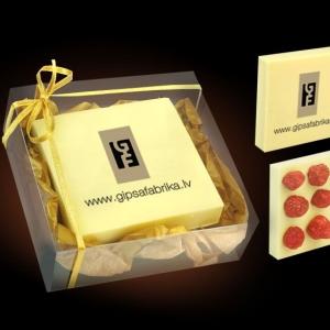 Шоколад со свежими ягодами
