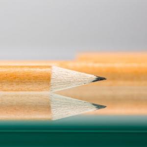 Классические простые карандаши оптом