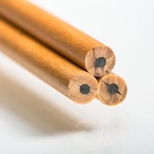 Круглые карандаши с простым грифелем